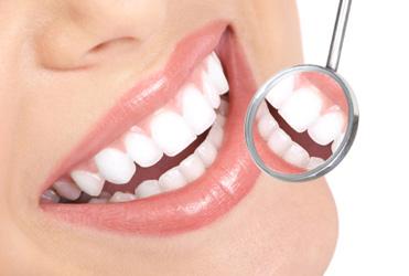 Słów kilka o implantach zębowych