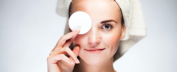 Dobry płyn micelarny: demakijaż i pielęgnacja twarzy w jednym